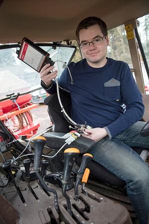 Tracteur dévoué cherche agriculteur consciencieux